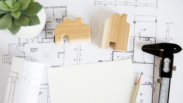 Rénovation immobilière: à qui faire appel pour se charger des travaux?